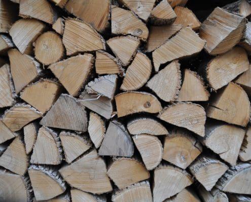 Lagerung von Holz für Kachelofen & Co