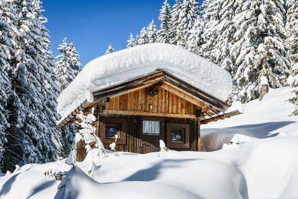 Ferienwohnsitz Berghütte: Almhütte mieten oder kaufen?