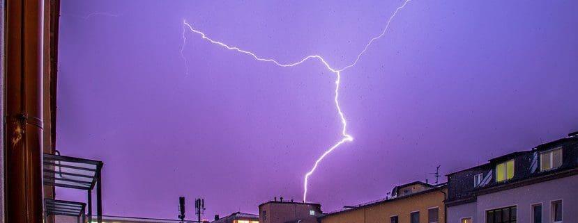 Blitzschutz: Informationen über Blitzableiter & Co.